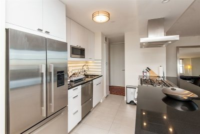 West New York Condo/Townhouse For Sale: 6040 Blvd East #21C