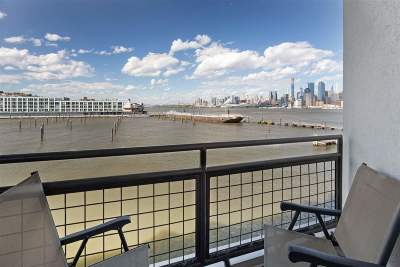 Weehawken Condo/Townhouse For Sale: 600 Harbor Blvd #865