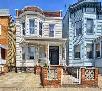 Weehawken Single Family Home For Sale: 216 Shippen St