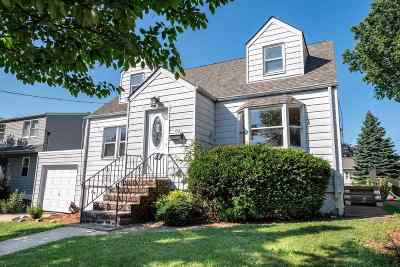 Secaucus Single Family Home For Sale: 302 Born St