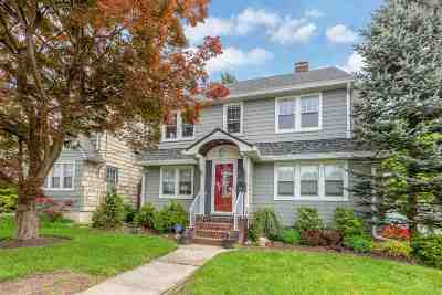 Rutherford Single Family Home For Sale: 61 Barrows Ave