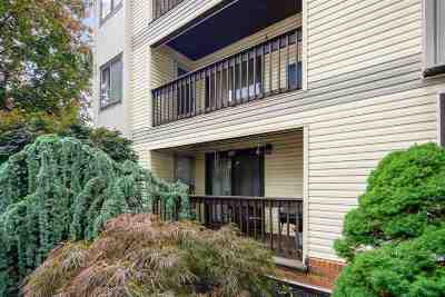 Secaucus Condo/Townhouse For Sale: 13 Green Valley Ct