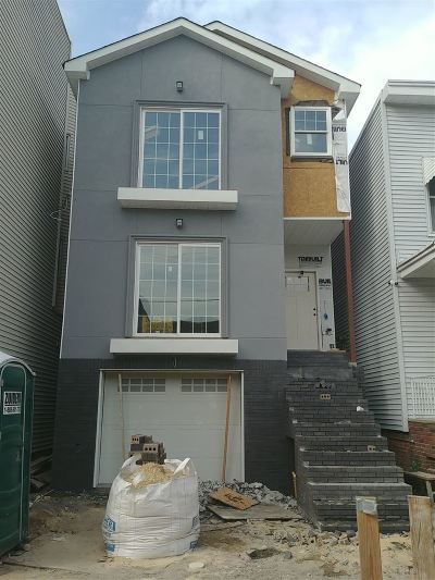 Jersey City Multi Family Home For Sale: 268 Griffith St