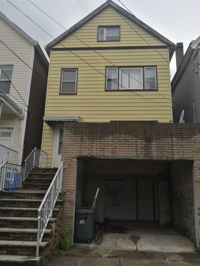 Bayonne Single Family Home For Sale: 277 Avenue C
