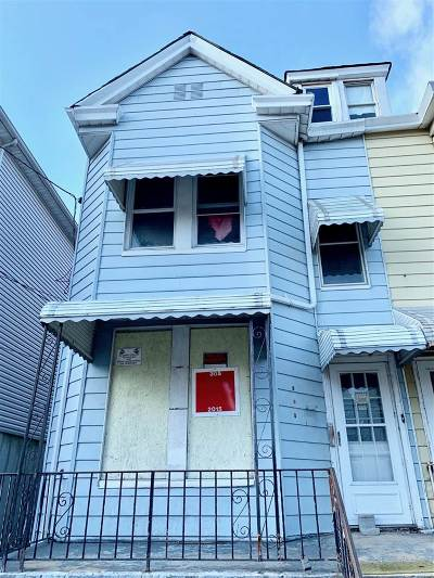 Jersey City Single Family Home For Sale: 305 Arlington Ave