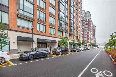Hoboken Condo/Townhouse For Sale: 1100 Maxwell Lane #507
