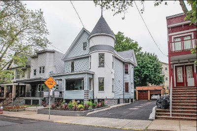 Jersey City Single Family Home For Sale: 116 Bartholdi Ave