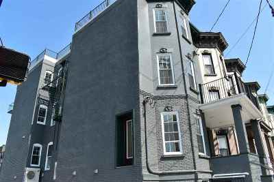 Jersey City Condo/Townhouse For Sale: 375 Baldwin Ave