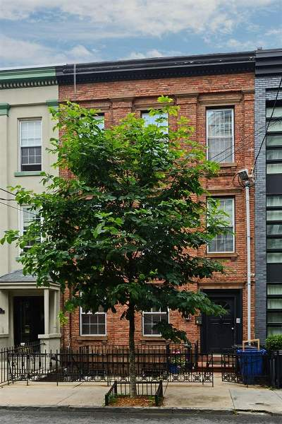 Hoboken Condo/Townhouse For Sale: 114 Bloomfield St #3