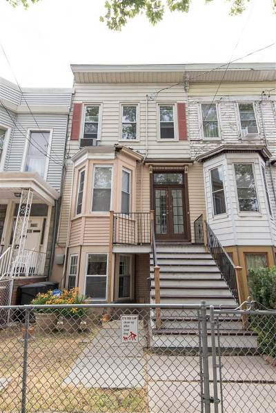 Jersey City Single Family Home For Sale: 71 Booraem Ave