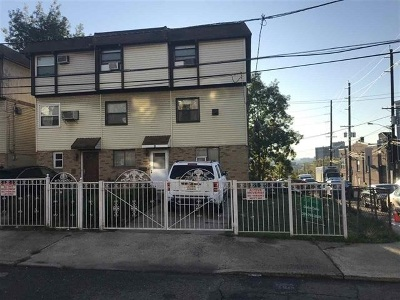 Jersey City Single Family Home For Sale: 2 Gray St