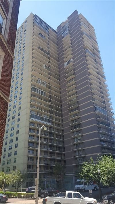 West New York Condo/Townhouse For Sale: 6040 Blvd East #33 H