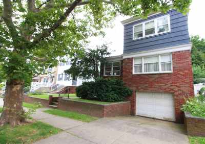 Bayonne Single Family Home For Sale: 46 West 44th St