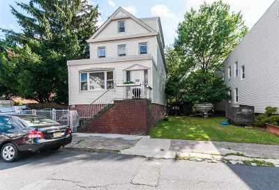 Jersey City Single Family Home For Sale: 275 Pearsall Ave
