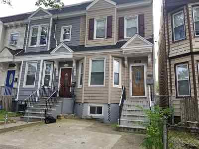Jersey City Single Family Home For Sale: 195 Ege Ave