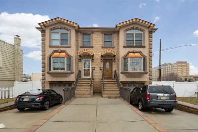 Secaucus Condo/Townhouse For Sale: 861 Hudson Ave #B