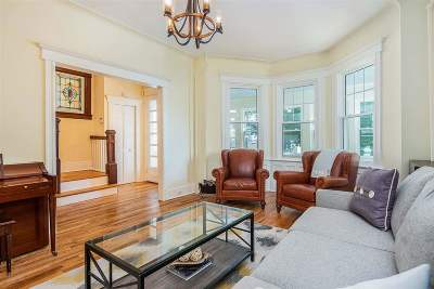Weehawken Single Family Home For Sale: 62 Hudson Pl