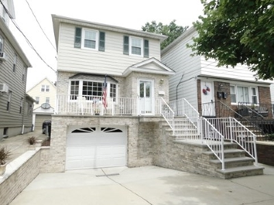 Bayonne Single Family Home For Sale: 45 West 38th St