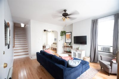 Jersey City Single Family Home For Sale: 19 Howard Pl