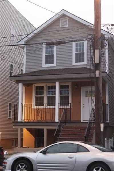Jersey City Single Family Home For Sale: 39 Long St