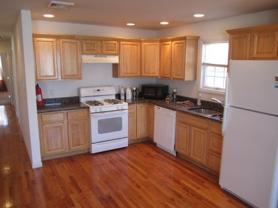Bayonne Multi Family Home For Sale: 52 Cottage St