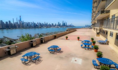 West New York Condo/Townhouse For Sale: 6600 Blvd East #11K