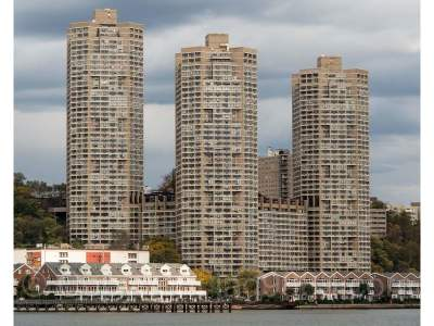 Guttenberg Condo/Townhouse For Sale: 7000 Blvd East #38G