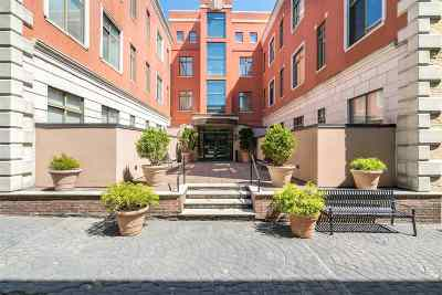 Weehawken Condo/Townhouse For Sale: 518 Gregory Ave #C413
