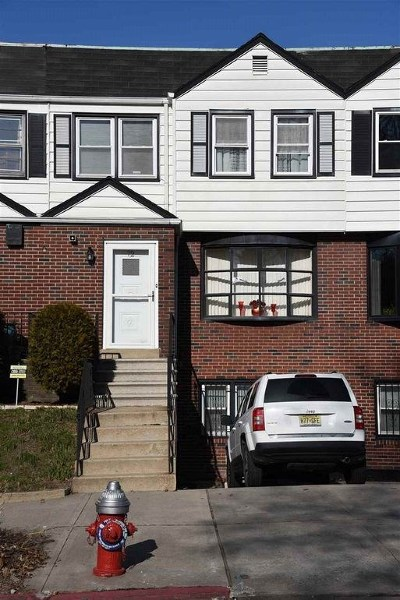 Jersey City Single Family Home For Sale: 72 Bentley Ave