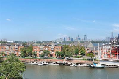 Jersey City Condo/Townhouse For Sale: 110 Shearwater Ct East #51