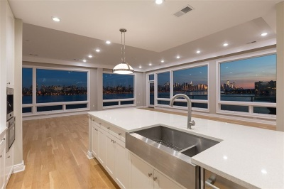 Edgewater Condo/Townhouse For Sale: 9 Somerset Lane #422