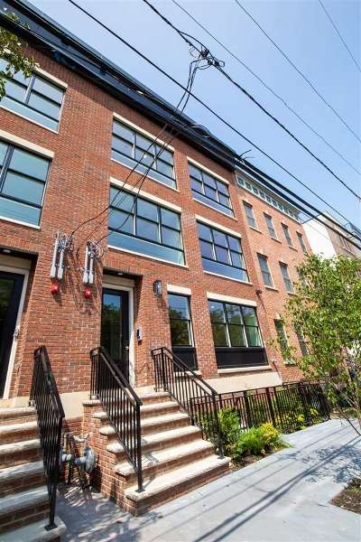 Jersey City Condo/Townhouse For Sale: 384 7th St #3