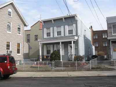 Jersey City Single Family Home For Sale: 26 Woodland Ave