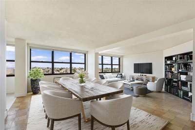 Guttenberg Condo/Townhouse For Sale: 7000 Blvd East #31F