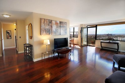 Union City Condo/Townhouse For Sale: 380 Mountain Rd #1714