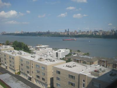 Guttenberg Condo/Townhouse For Sale: 7100 Blvd East #8 R