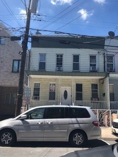 Union City Multi Family Home For Sale: 525 28th St