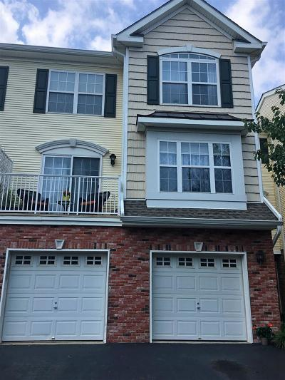 Bayonne Condo/Townhouse For Sale: 67 Boatworks Dr