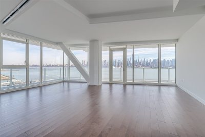 Weehawken Condo/Townhouse For Sale: 800 Avenue At Port Imperial #705