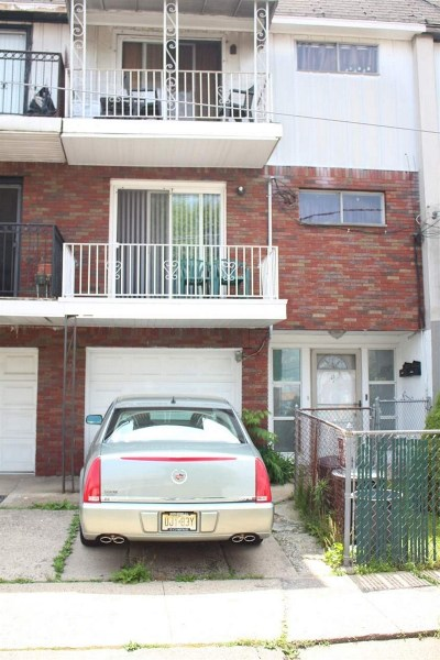Jersey City Multi Family Home For Sale: 29 Skyline Dr