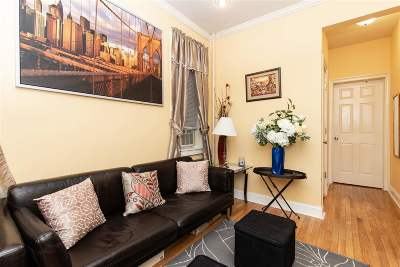 West New York Condo/Townhouse For Sale: 6307 Broadway #2