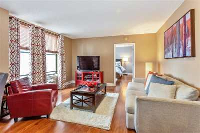 Union City Condo/Townhouse For Sale: 4301 Park Ave #4 E