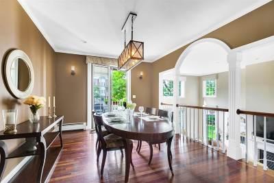 Jersey City Single Family Home For Sale: 16 Halfmoon Isle