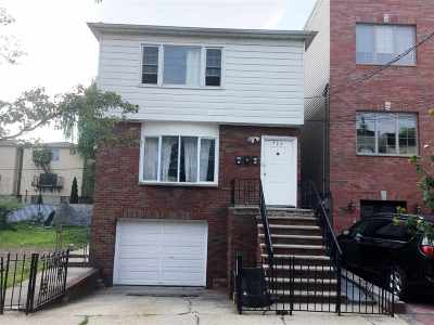 Jersey City Multi Family Home For Sale: 303 New York Ave