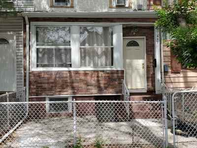 Jersey City Single Family Home For Sale: 433 Mallory Ave