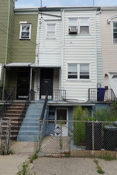 Jersey City Multi Family Home For Sale: 88 Waverly St