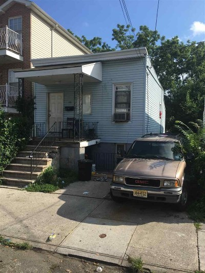 Jersey City Single Family Home For Sale: 86 Stevens Ave