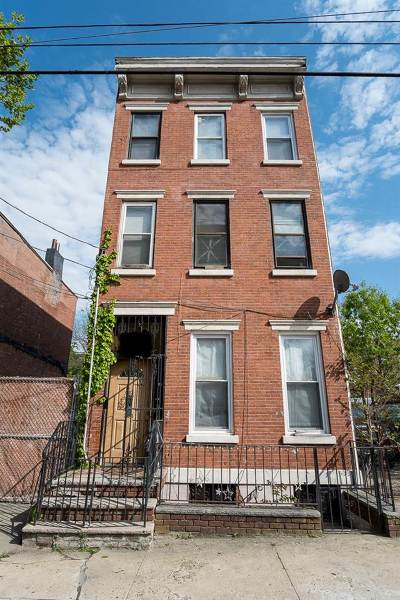 Jersey City Single Family Home For Sale: 326 Halladay St