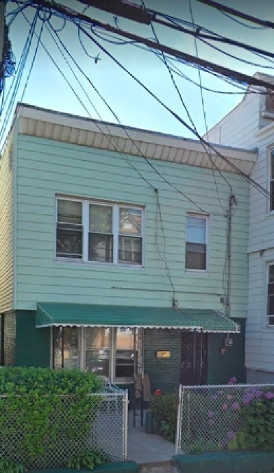 Jersey City Single Family Home For Sale: 93 Woodlawn Ave