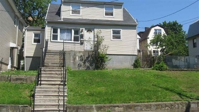 Jersey City Multi Family Home For Sale: 31 Bayside Terrace
